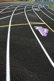 Carriles de la pista de la curva Fotos de archivo
