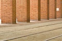 Carriles de la tranvía en Munich histórica, Alemania Foto de archivo