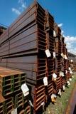 Carriles del acero inoxidable depositados en pilas Fotografía de archivo libre de regalías
