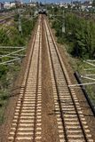 Carriles nuevamente puestos del ferrocarril de Berlín fotografía de archivo