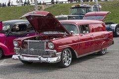 Carrinha do vermelho do vintage Imagem de Stock