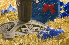 Carrinho da árvore de Natal fotografia de stock royalty free