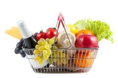 Carrinho de compras com produto perfeito Imagens de Stock