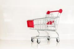 Carrinho de compras diminuto Imagens de Stock Royalty Free