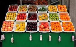 Carrinho de fruta Fotografia de Stock Royalty Free
