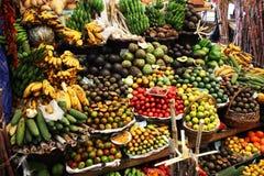 Carrinho de fruta tropical Fotografia de Stock Royalty Free