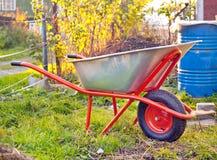 Carrinho de mão do jardim Fotos de Stock Royalty Free