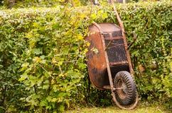 Carrinho de mão oxidado Imagens de Stock Royalty Free