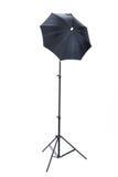 Carrinho do estúdio com o guarda-chuva imagem de stock royalty free