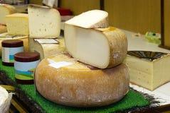 Carrinho do queijo Imagens de Stock