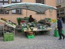Carrinho vegetal do mercado Fotos de Stock