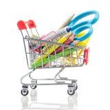Carrinhos de compras com as fontes de escola isoladas em um branco, de volta a foto de stock
