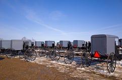 Carrinhos e carros de Amish fotos de stock