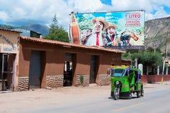 Carrito auto en Urubamba, Perú Imagen de archivo