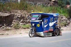 Carrito auto en Urubamba, Perú Fotos de archivo