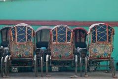 Carritos coloridos en Katmandu Foto de archivo libre de regalías