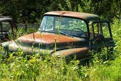 Carro abandonado de la vendimia Imagen de archivo libre de regalías