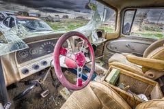 Carro abandonado em uma cidade fantasma de Utá Fotos de Stock Royalty Free