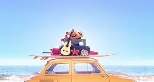 Carro amarelo com com a bagagem pronta para o curso do verão fotografia de stock
