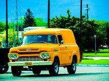 Carro amarillo Imágenes de archivo libres de regalías