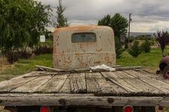 Carro amarillo viejo Imagen de archivo libre de regalías