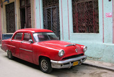 Carro americano do vintage em Havana, Cuba Foto de Stock Royalty Free