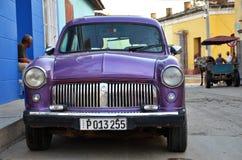 Carro americano velho bonito na rua de Trinidad, Cuba Fotografia de Stock Royalty Free