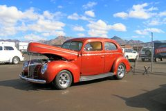 Carro antigo: Ford Deluxe Tudor Sedan 1940 V-8 Foto de Stock