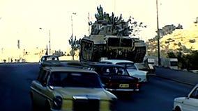 Carro armato israeliano a Gerusalemme stock footage