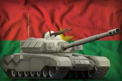 Carro armato pesante sui precedenti della bandiera nazionale del Burkina Faso illustrazione 3D illustrazione vettoriale