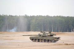 Carro armato russo sulla terra Fotografie Stock