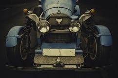 Carro azul da raça caseiro do vintage no estilo dos anos 20 fotografia de stock royalty free