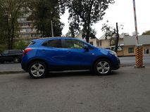 Carro azul de Opel imagem de stock royalty free