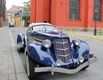 carro azul incomum do vintage fotografia de stock