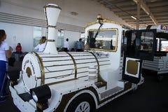 Carro bonde para visitantes dos Jogos Olímpicos Foto de Stock