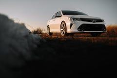 Carro branco Toyota Camry XV50 Fotografia de Stock