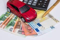 Carro, calculadora, pena, dinheiro Imagens de Stock