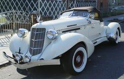 Carro castanho-aloirado da cauda de barco do louco do volante 1935 851 Foto de Stock Royalty Free