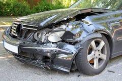 Carro causado um crash Foto de Stock