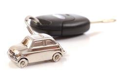 Carro chave com pouco anel chave na forma do carro Foto de Stock