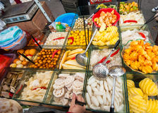 Carro chino de la fruta de la calle Fotografía de archivo