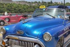 Carro clássico americano em Havana, Cuba Imagens de Stock Royalty Free