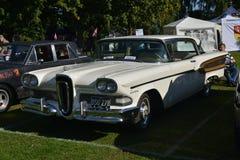 Carro clássico branco dos coletores de Edsel Citation American Fotos de Stock Royalty Free