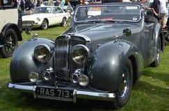 Carro clássico do vintage da barata de 1947 Triumph Imagem de Stock