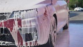 Carro coberto com a espuma vídeos de arquivo