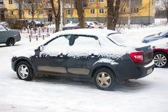 Carro coberto com a neve Imagem de Stock Royalty Free