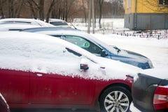 Carro coberto com a neve Fotografia de Stock