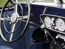 Carro colorido do vintage imagens de stock royalty free