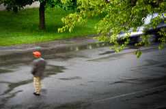 Carro com caminhante Fotografia de Stock Royalty Free