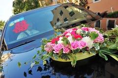 Carro com flor Imagem de Stock Royalty Free